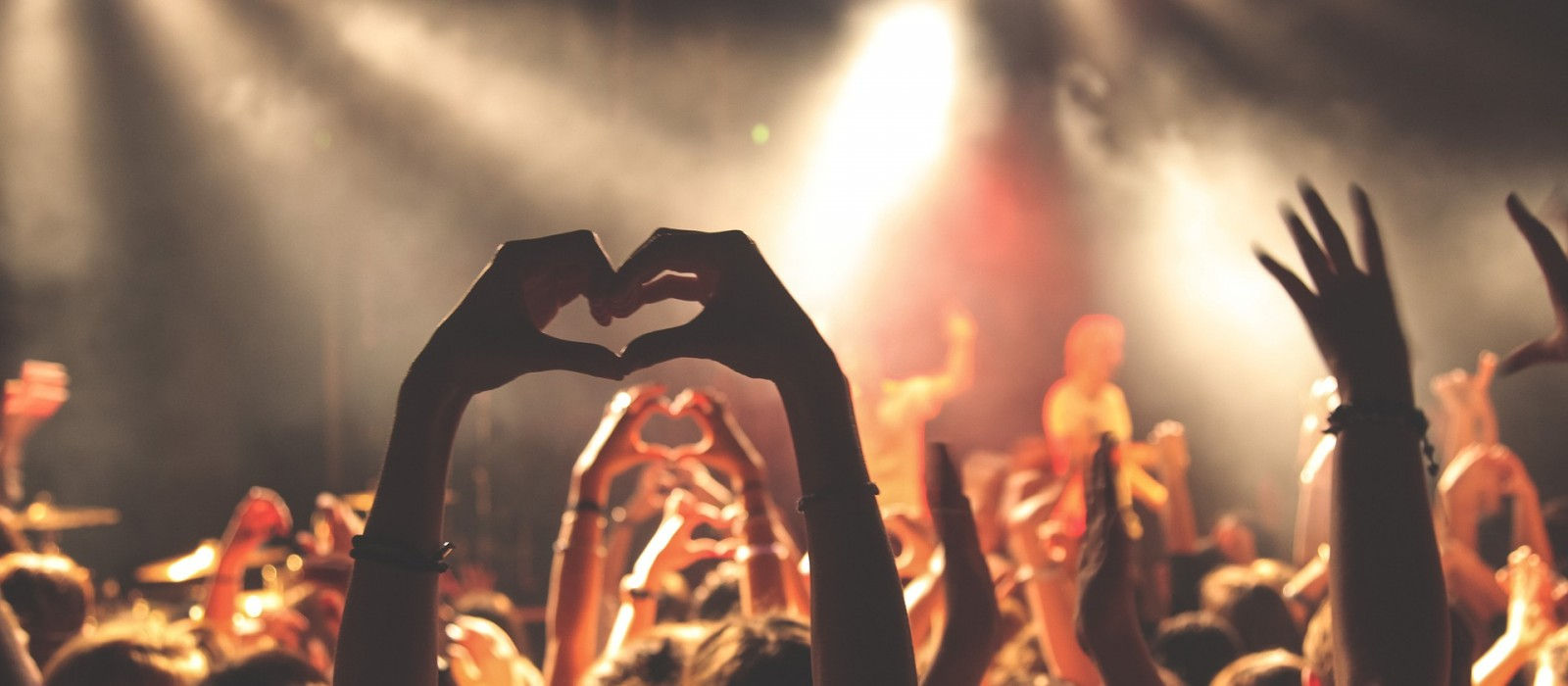 http://strefamice.pl/wp-content/uploads/2015/09/concert-768722_1920-1600x700_1.jpg